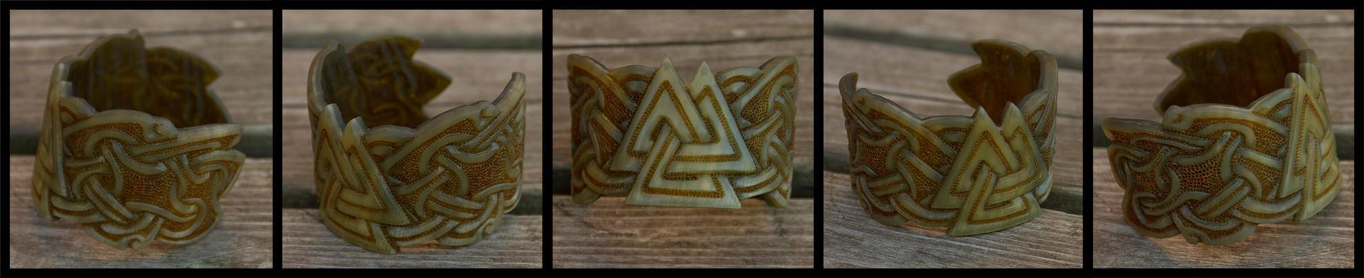 Walknut Horn Bracelet by Wodenswolf