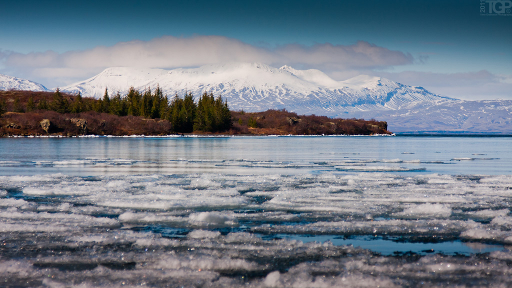 Iceland - Thingvallavatn by RaumKraehe