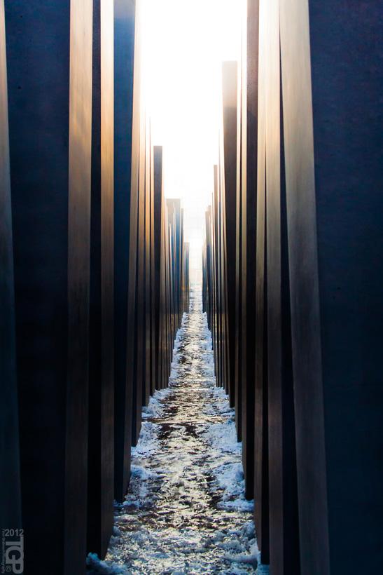 Memorial II by RaumKraehe