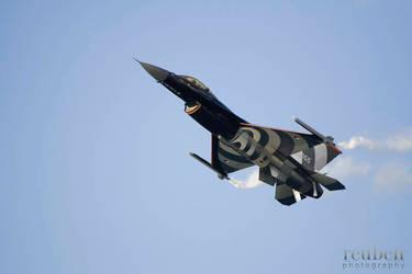 Dutch F-16 at Malta Airshow 07