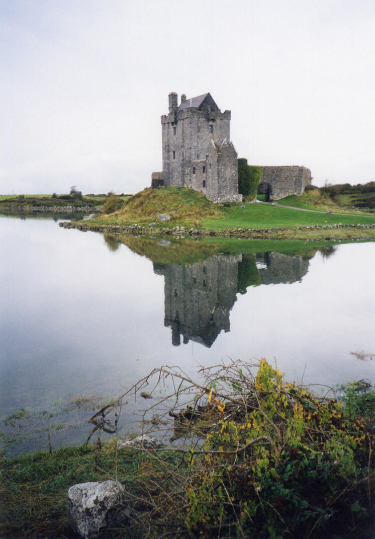 Dunguaire castle (by imp13) by imp13
