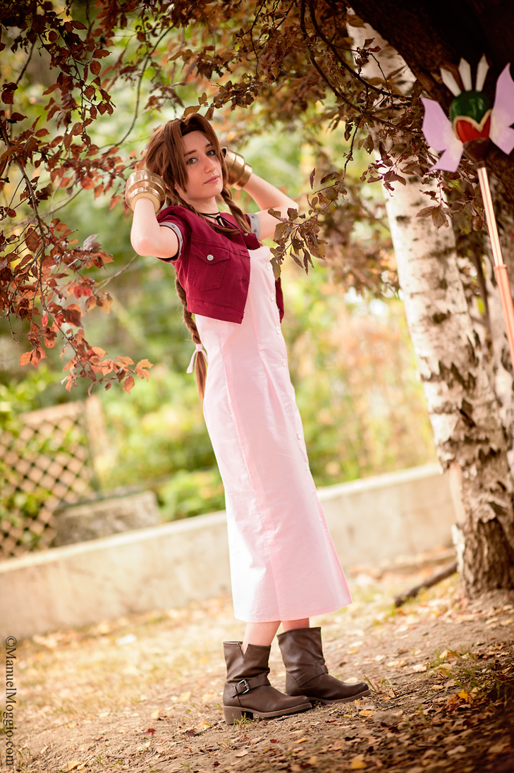 Aerith Gainsborough - Final Fantasy VII by AerithStrife90