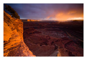 Dead Horse Point Sunset by collectiveone