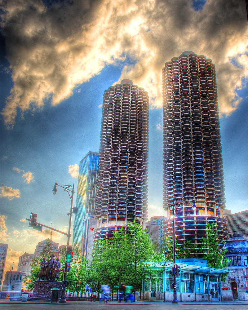 Marina Towers from Wabash and by spudart