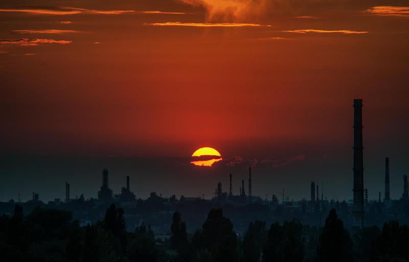 industrial sunset by Kanashii-Hito
