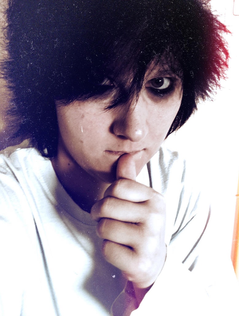 L Lawliet Cosplay  by Lauria88