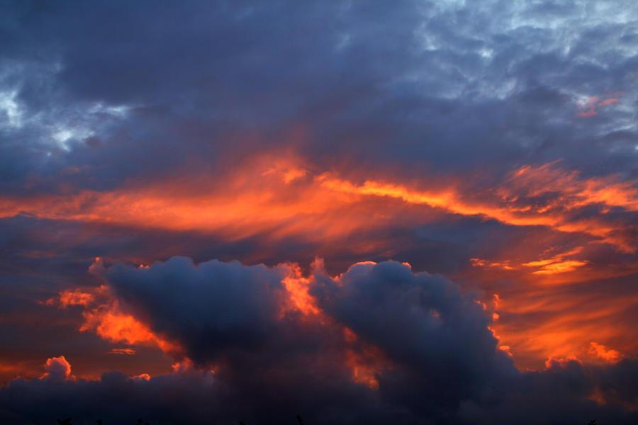 خلفيات سماء وغيوم خلفيات سماء للدمج صور غيوم خلفيات دمج sky_stock_019_by_malleni_stock-d6sqi8c.jpg