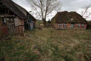 Abandoned Farmhouse Stock 02 by Malleni-Stock