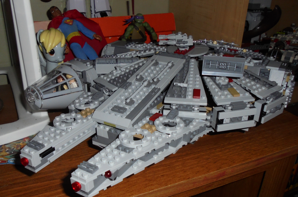 millennium falcon lego by TMNTFAN85