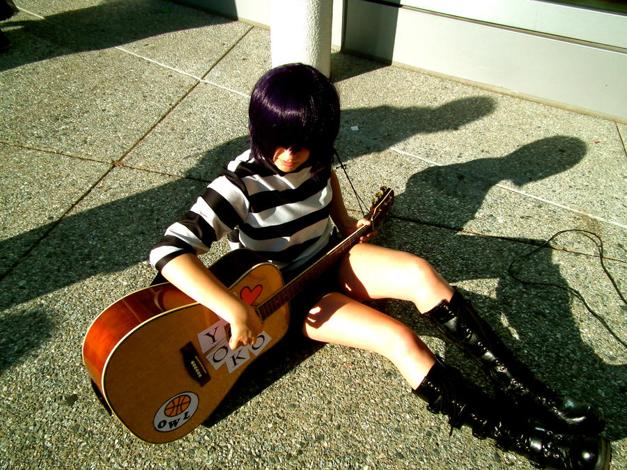 queen noodle on MegaZombieQueen noodle plays deviantART by cosplay guitar