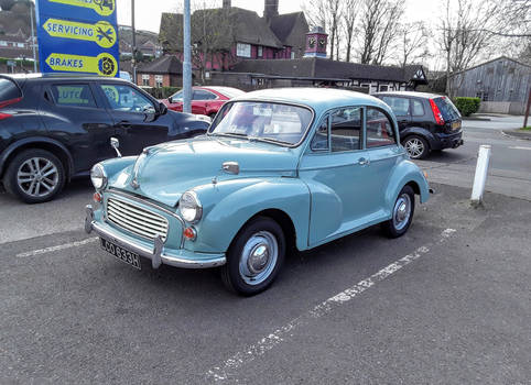A Morris Minor 1000 ( Year 1969 or 1970 ).