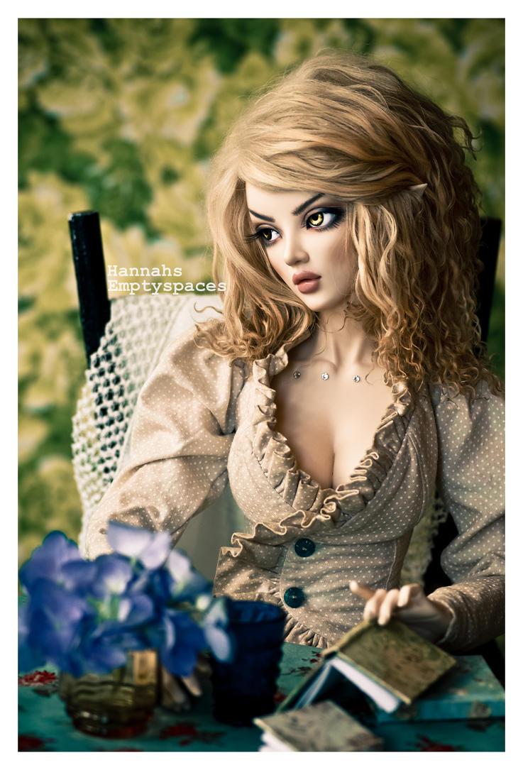 florals by Hannahsemptyspaces