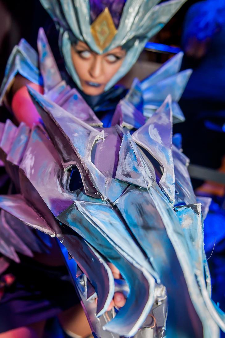 ice drake shyvana cosplay - photo #14