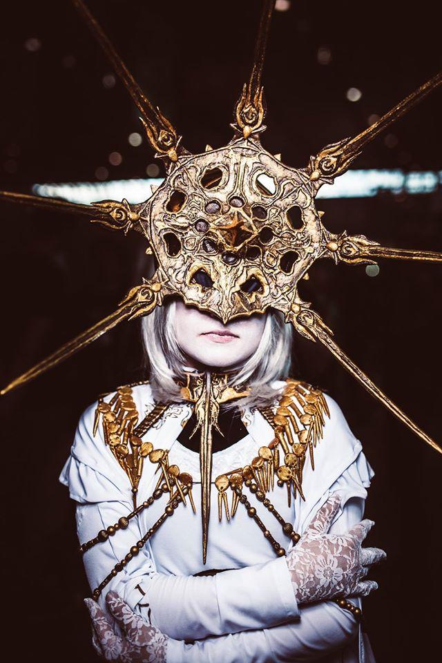 Dark sun gwyndolin cosplay