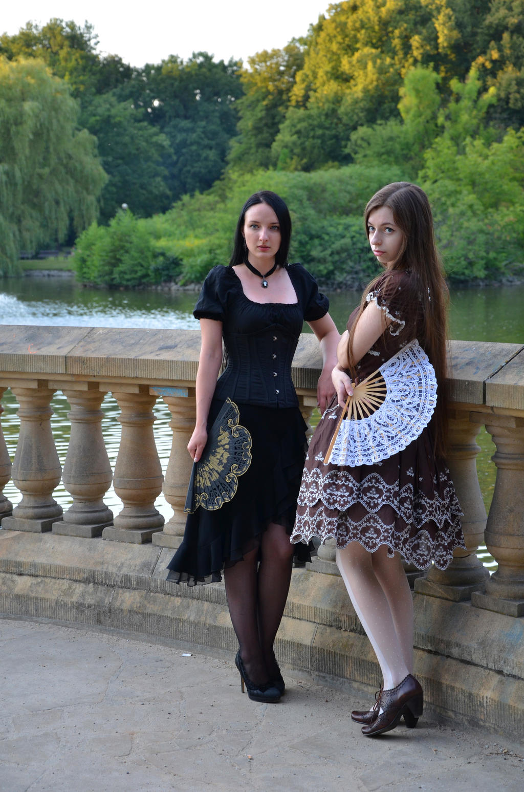 classic lolita and gothic by sarielowa