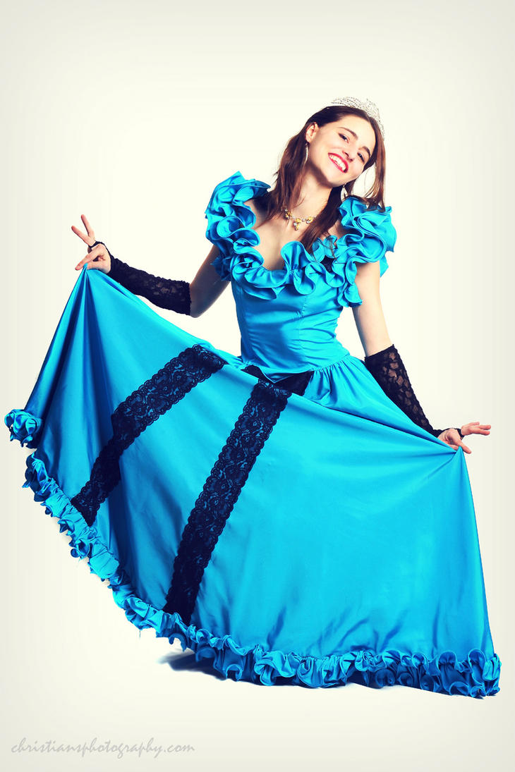 Yukon Queen Curtsy by modelangela on DeviantArt