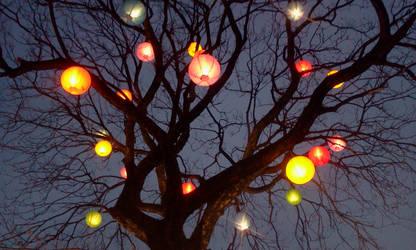 Lanterns by LikaUra