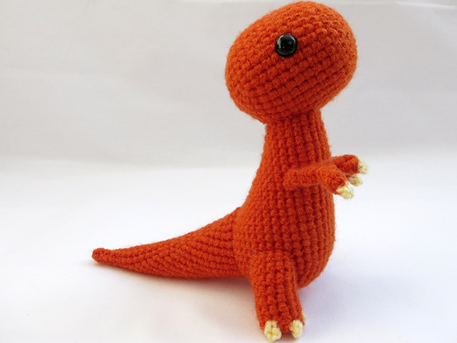 Crochet Hatching Dinosaurs - Whistle and Ivy | 480x640