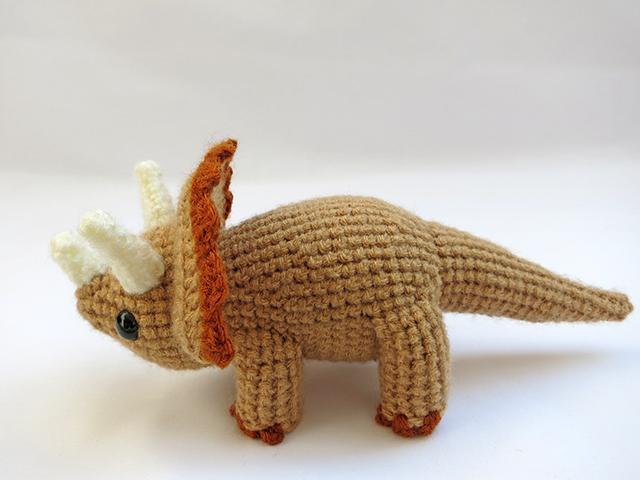 Amigurumi Dinosaur Free Pattern : Amigurumi triceratops dinosaur 2 by mevvsan on deviantart