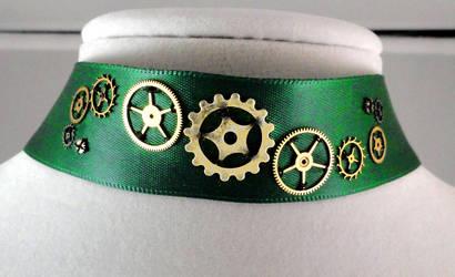 Gear Choker in Green