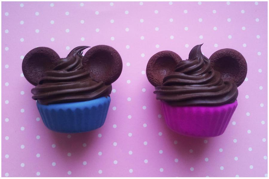 mickey mouse cupcakes by Miyaka89