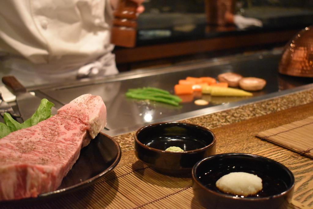 Yoshida Steak House by ikazon