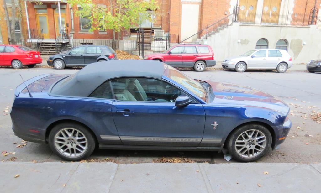 2012 ford mustang v6 premium convertible by kitteh pawz on deviantart. Black Bedroom Furniture Sets. Home Design Ideas
