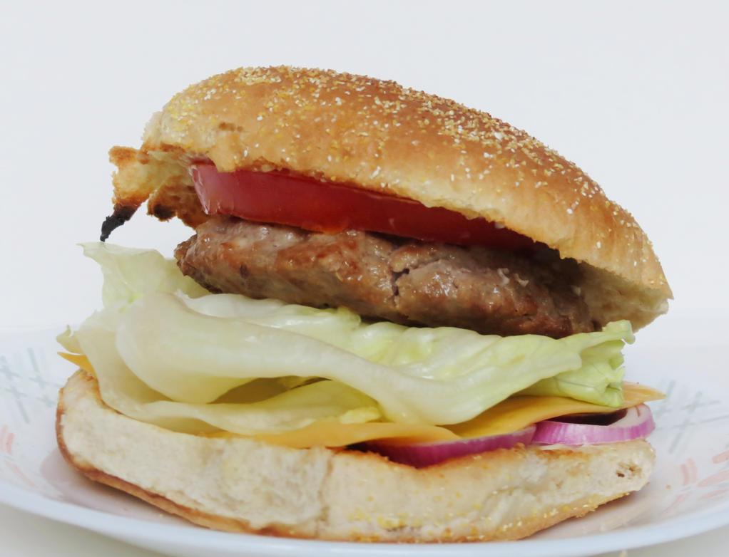 Cheeseburger by Kitteh-Pawz