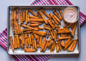 Baked Sweet Potato Fries by Kitteh-Pawz
