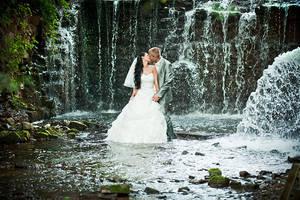 wedding waterfall by andrez