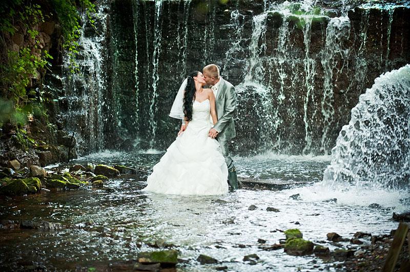 wedding waterfall by andrez on DeviantArt: andrez.deviantart.com/art/wedding-waterfall-132066898