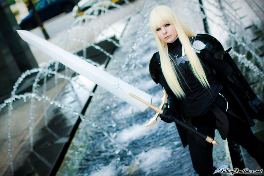 Claymore Cosplay: Alicia the black