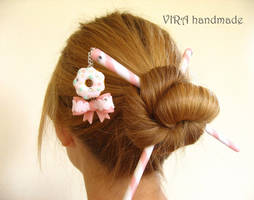 Cute bow and doughnut hair sticks by virahandmade