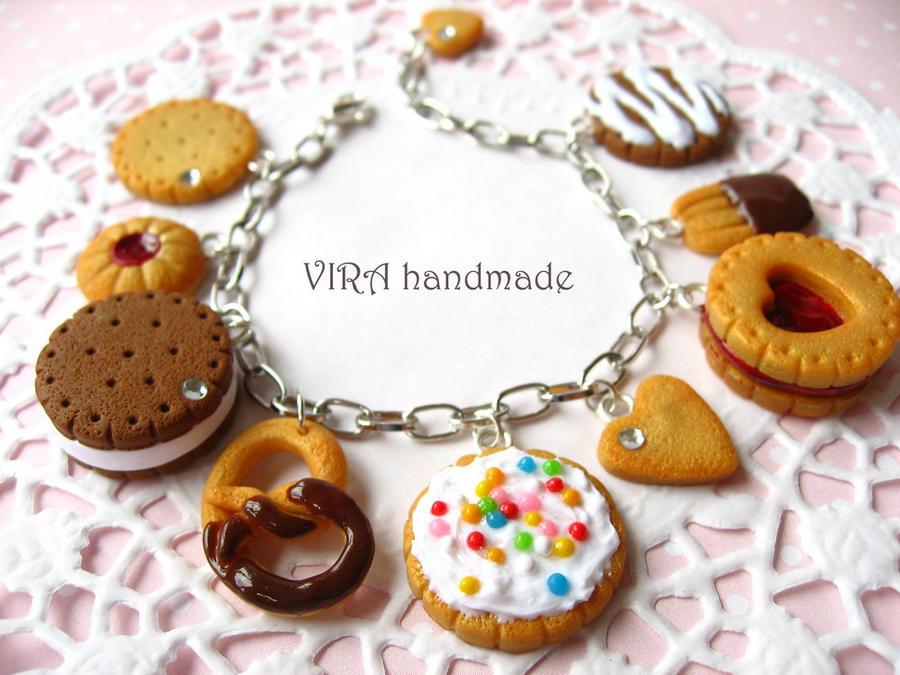 Realistic cookie charm bracelet by virahandmade