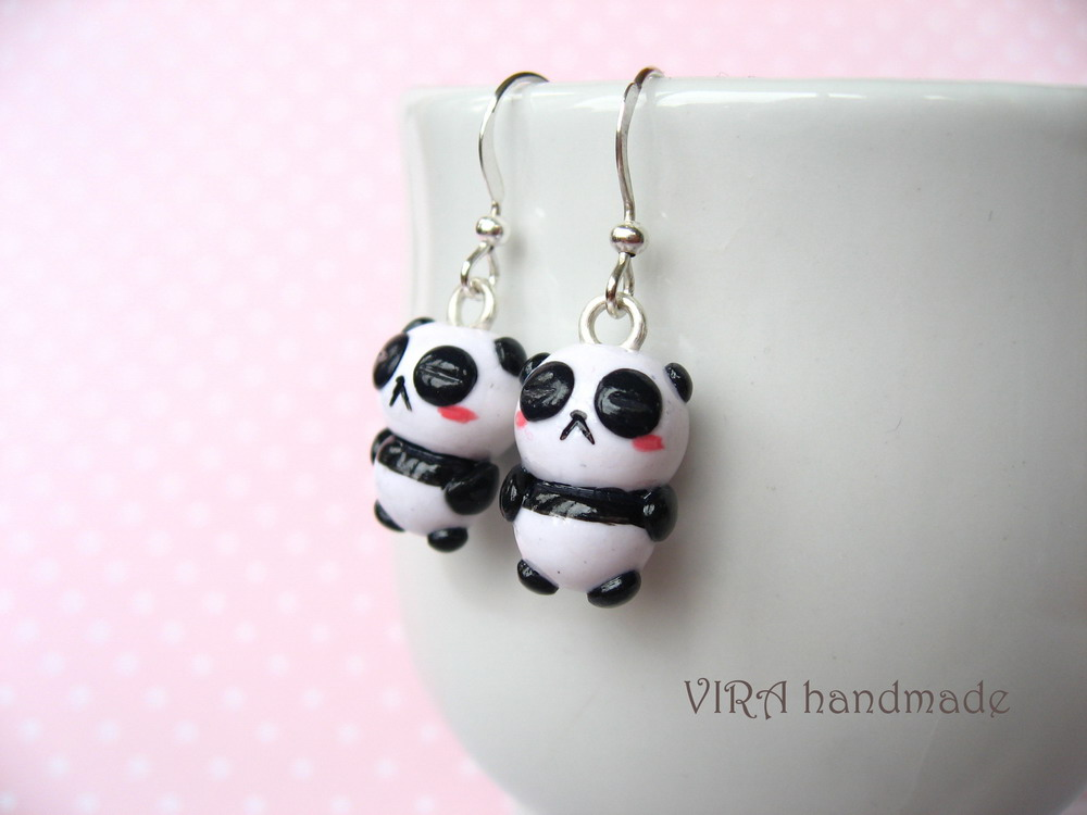 Sleeping pandas earrings by virahandmade