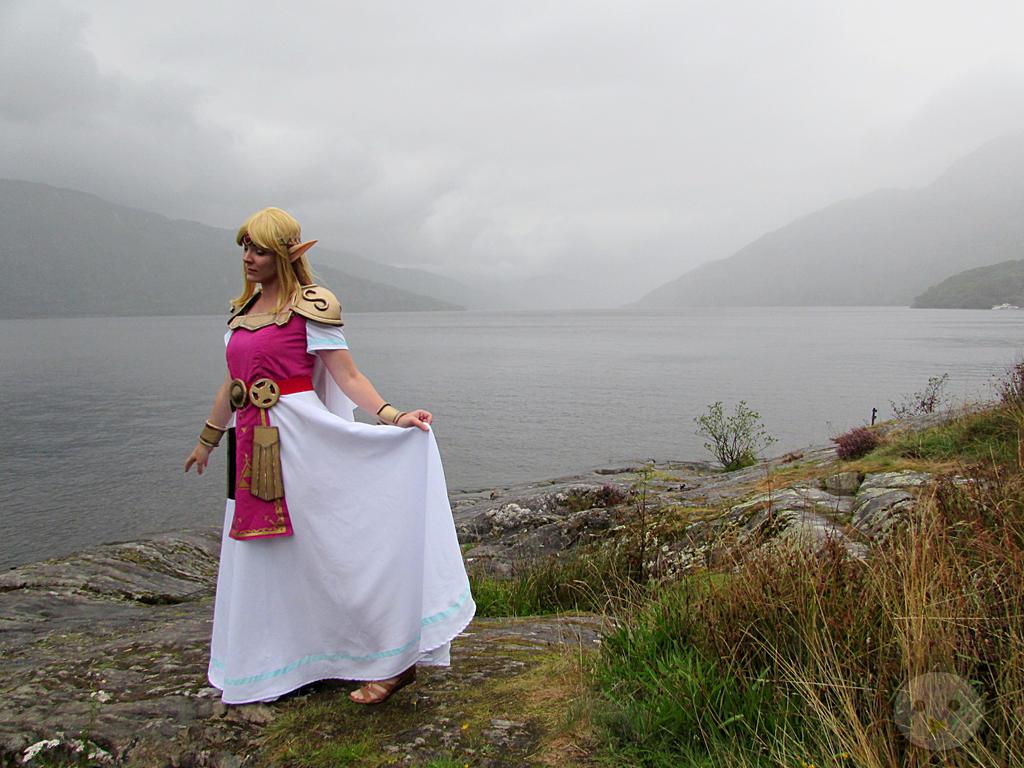 Princess of Hyrule by MaeGwyn