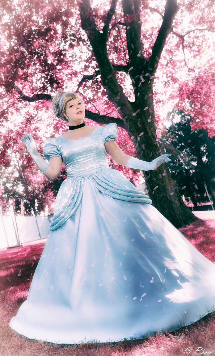 Cinderella by BellaHime