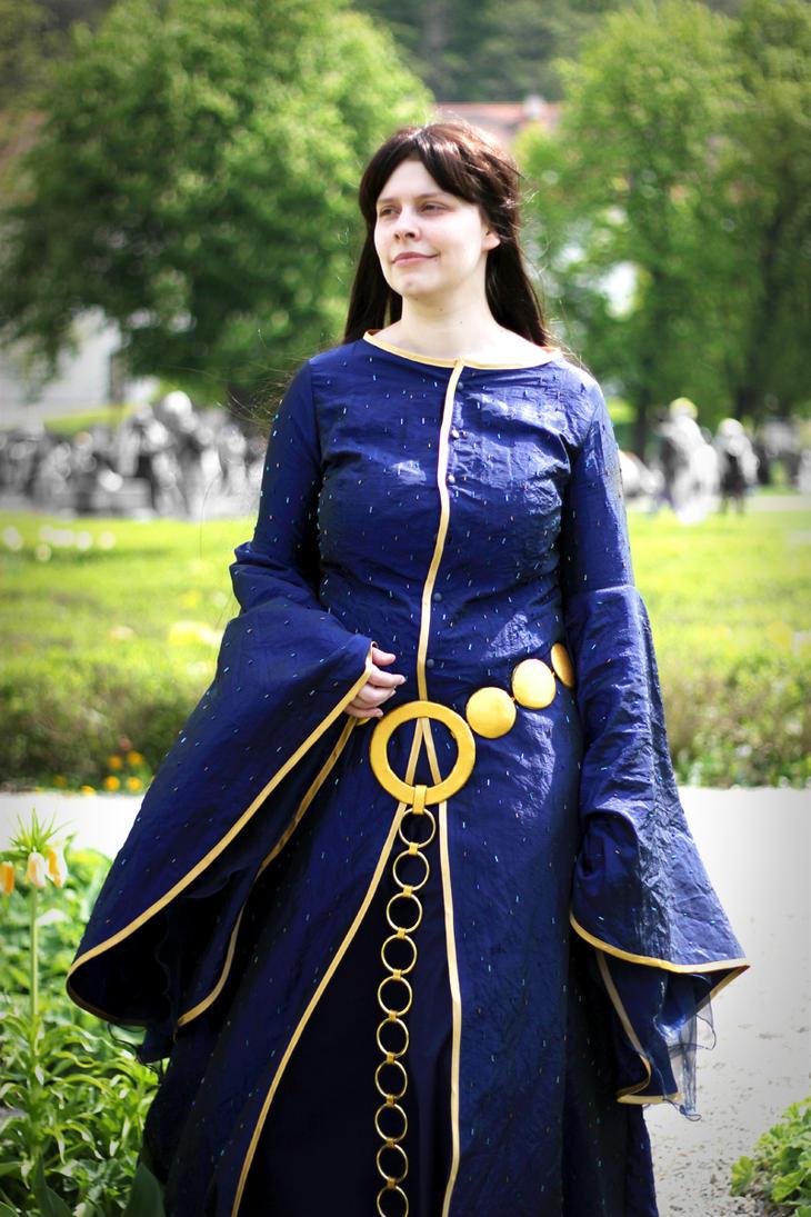 Queen Elinor Blue Dress By Sennecion On Deviantart