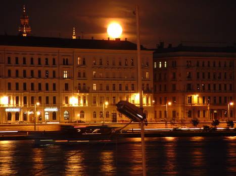 Full Moon Rising in Budapest