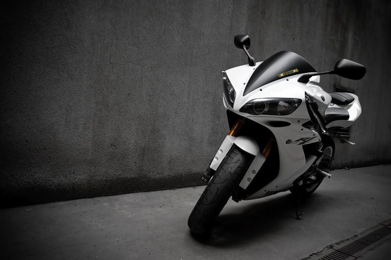 Yamaha R1 5 By Schwepes