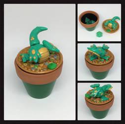 Gold and Green Borealis Dice Dragon