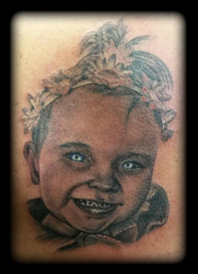 Baby portrait by state-of-art-tattoo