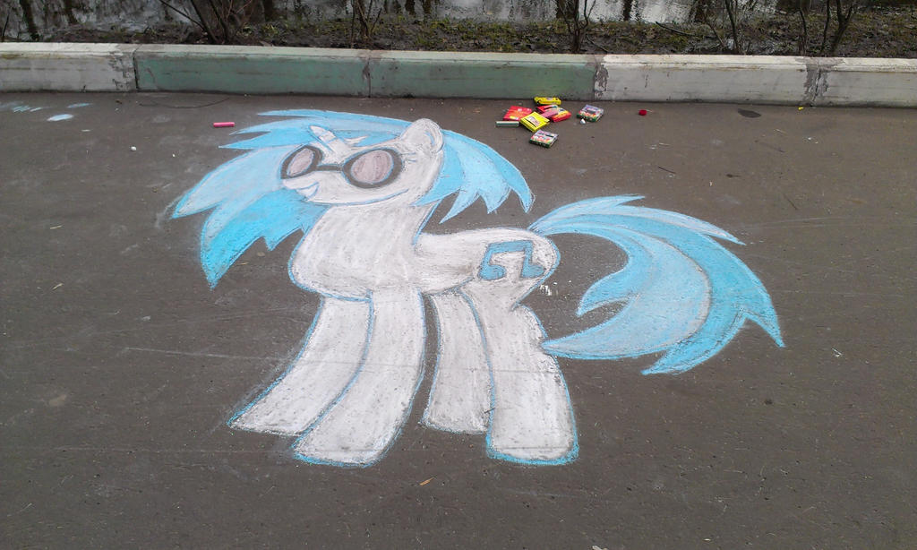 Vinyl Scratch (chalk) by krlmisha