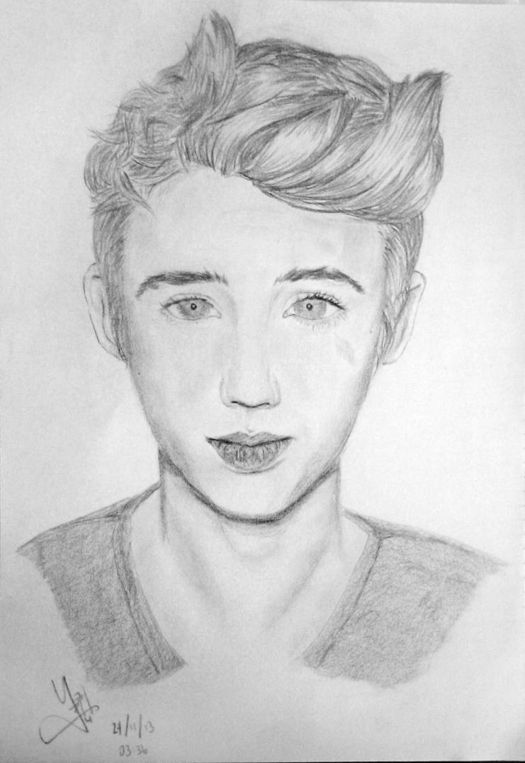 Sketch: Troye Sivan by teoyusiang on DeviantArt