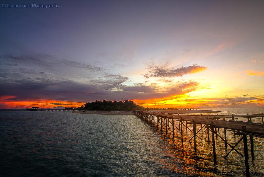 Island Sunset by Izwanshah