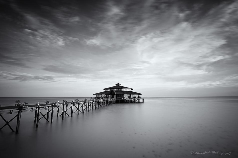 Floating Restaurant by Izwanshah