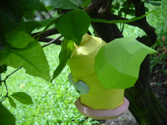 Weepinbell - Hang on the tree by Toshikun