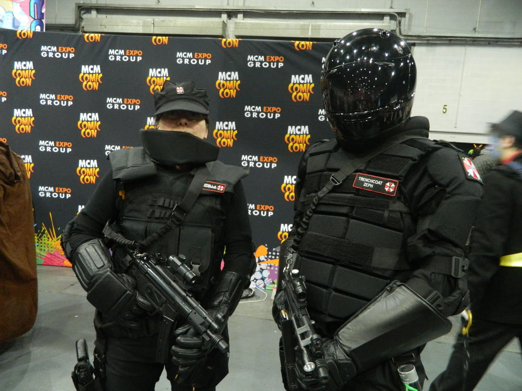 Muitas vezes MCM Telford 2014 - Umbrella Corp in action by MJ-Cosplay on DeviantArt LI34