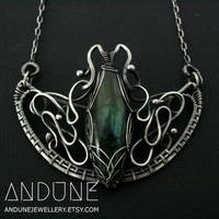 WINGED Labradorite Wire Wrapped Pendant by ANDUNEJewellery