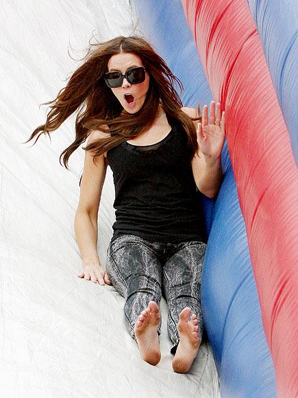 Kate Beckinsale Barefoot